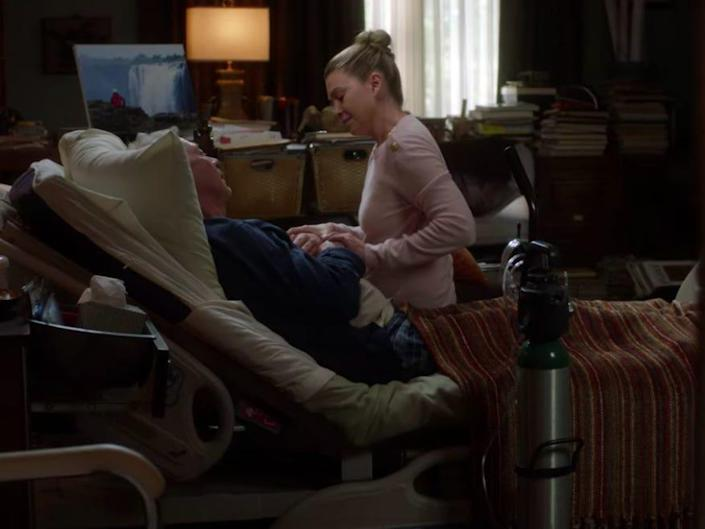 Thatcher and Meredith in a hospital room as he dies on Greys Anatomy