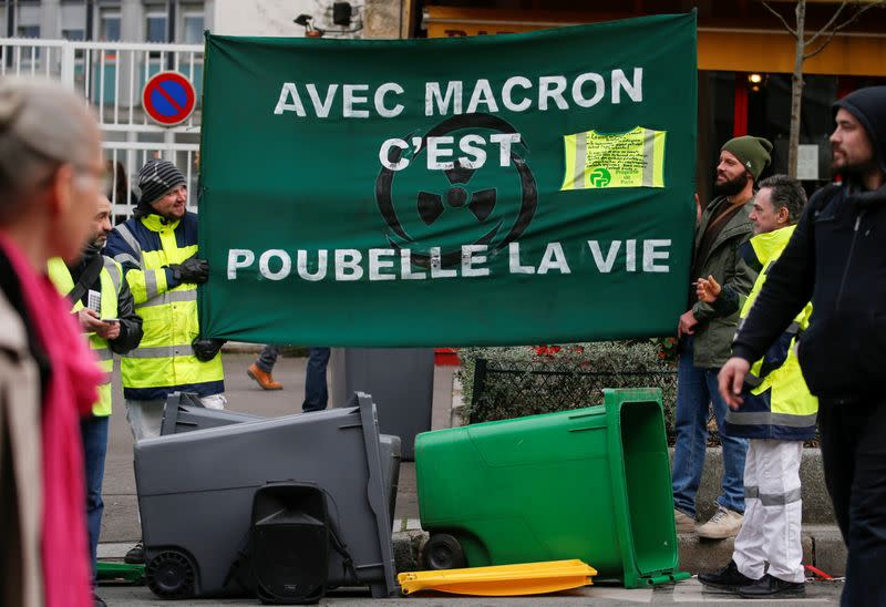 France to push pension reform through parliament by decree to avoid vote