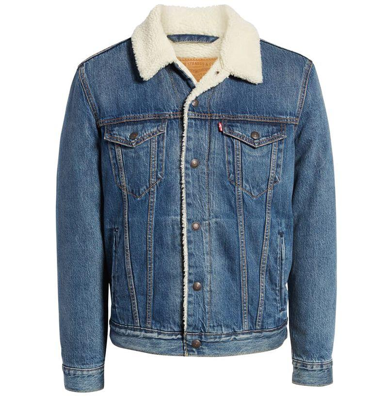 """<p><strong>LEVI'S</strong></p><p>nordstrom.com</p><p><strong>$128.00</strong></p><p><a href=""""https://go.redirectingat.com?id=74968X1596630&url=https%3A%2F%2Fshop.nordstrom.com%2Fs%2Flevis-faux-shearling-trim-denim-trucker-jacket%2F5111215&sref=http%3A%2F%2Fwww.esquire.com%2Fstyle%2Fmens-fashion%2Fg12765530%2Fshearling-coat-jacket-men%2F"""" target=""""_blank"""">BUY</a></p><p>Before the freezing late-fall hits, denim jackets are often all you need. There's no brand better to trust than the denim OG: Levi's. One lined in sherpa—aka faux shearling—offers a little extra insulation. </p>"""
