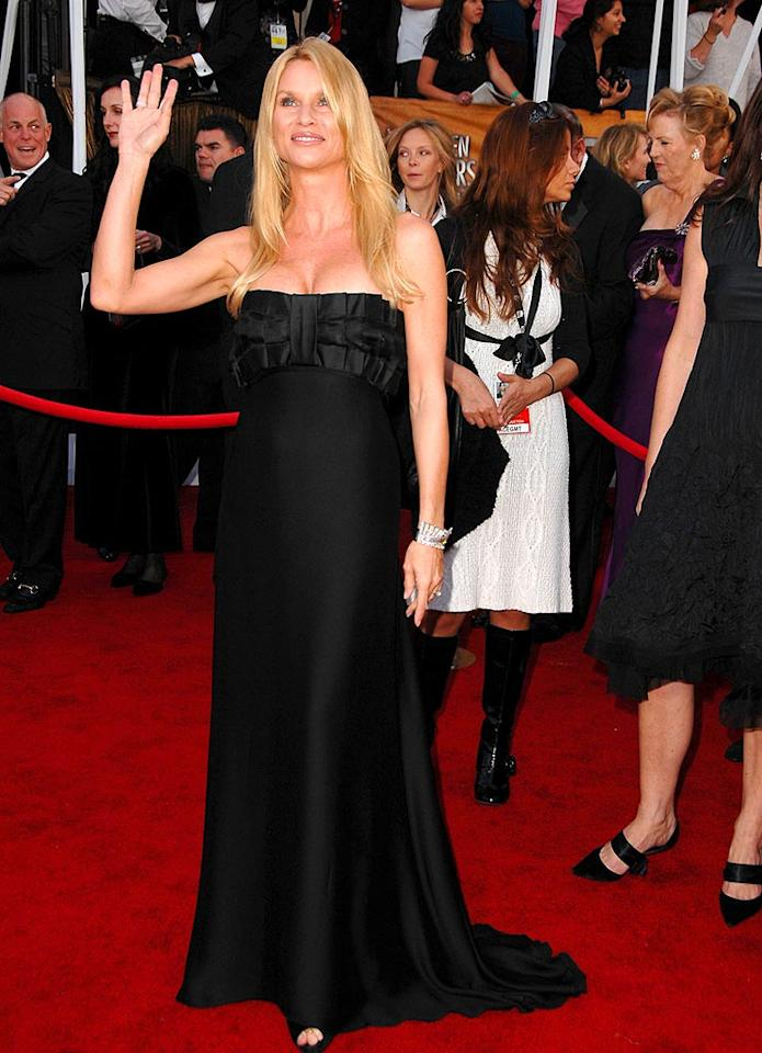 "Nicollette Sheridan knows you can rarely go wrong in basic black. The ""Desperate Housewife's"" floor-length gown is by Marchesa. Steve Granitz/<a href=""http://www.wireimage.com"" target=""new"">WireImage.com</a> - January 27, 2008"