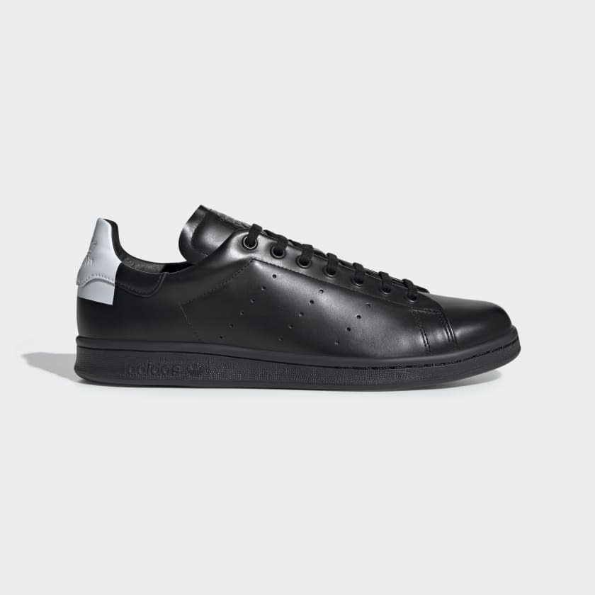 """<p><strong>adidas</strong></p><p>adidas.com</p><p><strong>$75.00</strong></p><p><a href=""""https://go.redirectingat.com?id=74968X1596630&url=https%3A%2F%2Fwww.adidas.com%2Fus%2Fstan-smith-recon-shoes%2FEE5786.html&sref=https%3A%2F%2Fwww.menshealth.com%2Fstyle%2Fg31826574%2Fadidas-spring-sale-mens-deals%2F"""" target=""""_blank"""">BUY IT HERE</a></p><p><del>$150.00</del><br><strong>$52.50 </strong>with code MARCH30</p><p>The classic Stan Smith rarely goes on sale. This black design is a contemporary twist on the original white and they're currently 50% off. Dress them up or down, these sneakers go with everything (but you already knew that).</p>"""