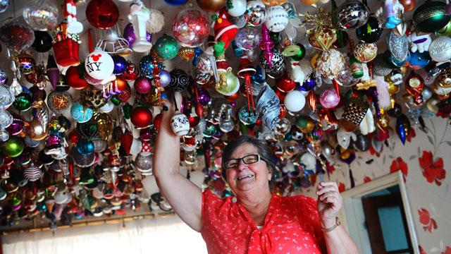 Grandmother Hangs Christmas Decorations, 1,764 of Them (ABC News)
