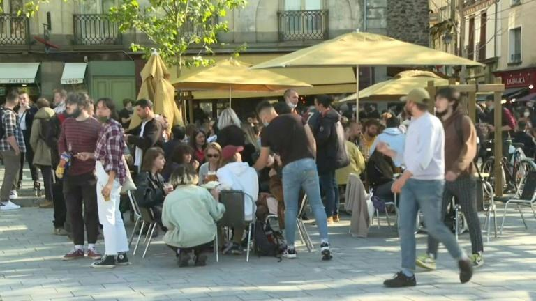 In western France, crowds flock to cafe terraces as lockdown eased
