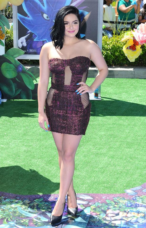 <div>Ariel showed off her curves to the max in a metallic mini dress.<br /><i>[Photo: Getty]</i> </div>
