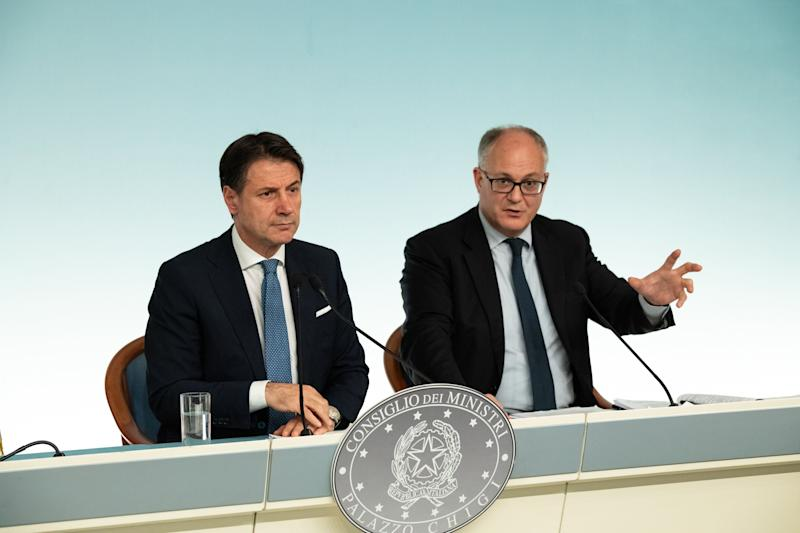 CHIGI PALACE, ROME, ITALY - 2019/09/30: Prime Minister Giuseppe Conte (L), with the Minister of Economy and Finance, Roberto Gualtieri (R), at the end of the Council of Ministers attend a press conference about the note updating the Document of Economy and Finance (Def). (Photo by Cosimo Martemucci/SOPA Images/LightRocket via Getty Images) (Photo: SOPA Images via Getty Images)