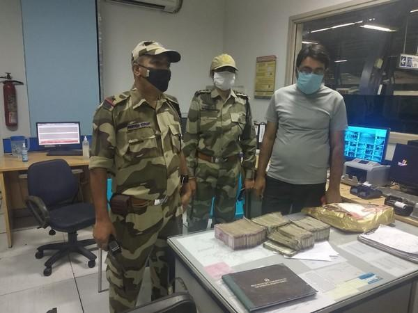 CISF detected cash amounting to Rs. 35 lakh from a passenger at Delhi's metro station