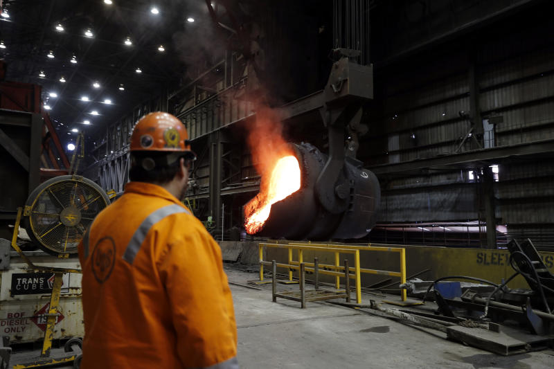 Trump touts trade win in Illinois steel town as others lose