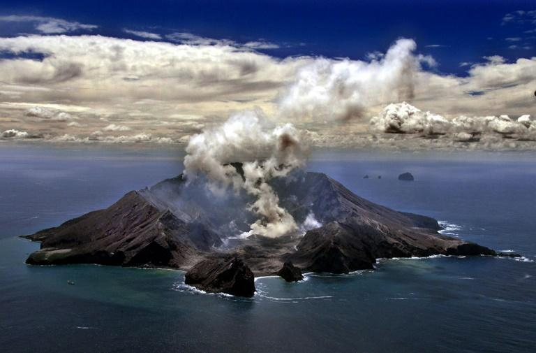 A file picture of New Zealand's most active volcano, Whakarri (White Island), in the Bay of Plenty (AFP Photo/TORSTEN BLACKWOOD)