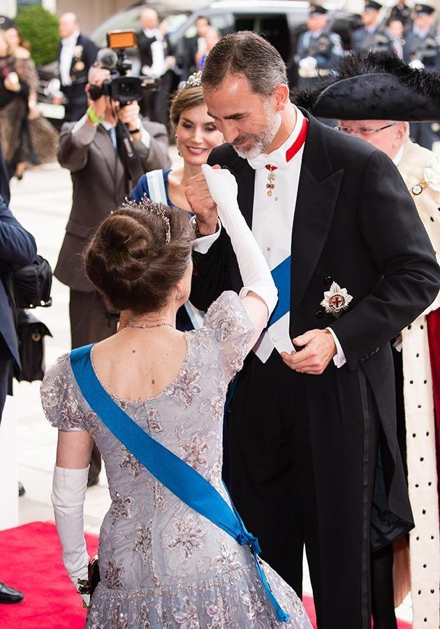 Princess Anne was pictured curtsying to Spain's King Felipe. Photo: Getty