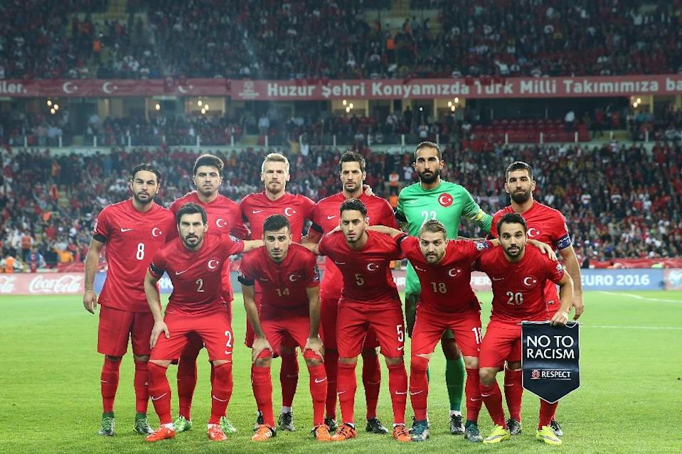 The Turkey team ahead of their Euro 2016 qualifying match against Iceland in Konya, on October 13, 2015 (AFP Photo/)