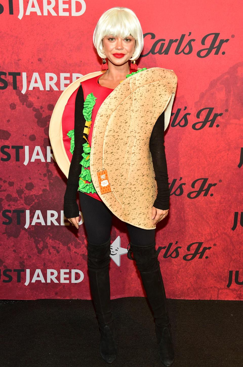 Does Sarah Hyland like tacos or something? Judging by her costume for the Just Jared Halloween party, we'd say so.