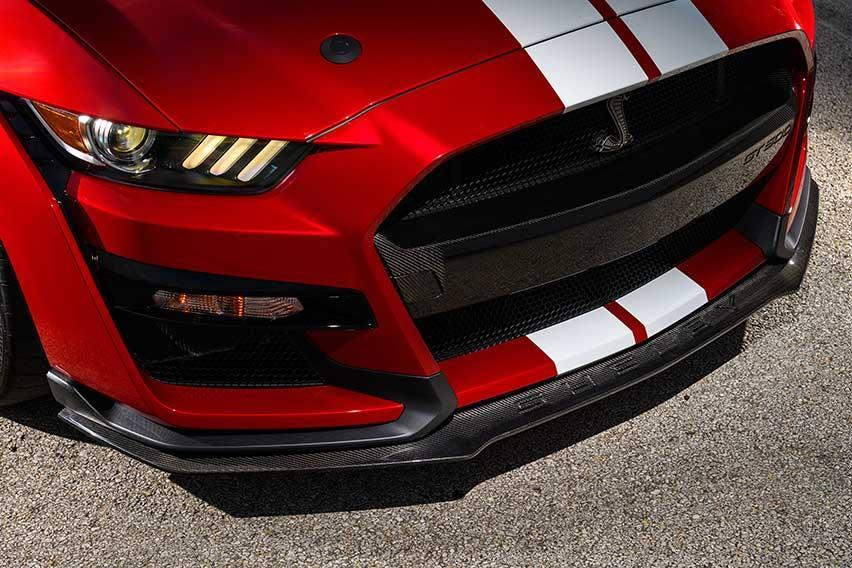 Ford-Mustang-Shelby-GT500-front-panel