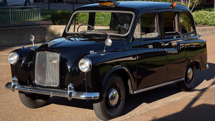 Cabs In Austin >> This Austin Fx4 Is The Real London Taxi