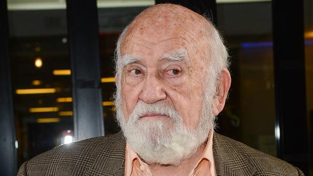 Asner on 'Mary Tyler Moore,' Broadway