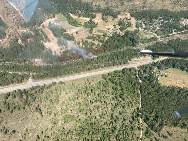 An aerial image of the Kikomun Creek fire, about 6.5 kilometres northwest of the community of Elko located near the Alberta and U.S. borders, from Thursday afternoon. (B.C. Wildfire Service - image credit)