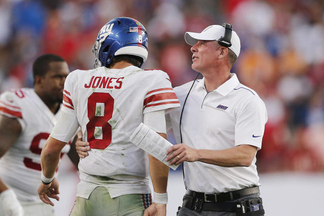 Daniel Jones celebrates with head coach Pat Shurmur after a touchdown against Tampa. (Getty Images)