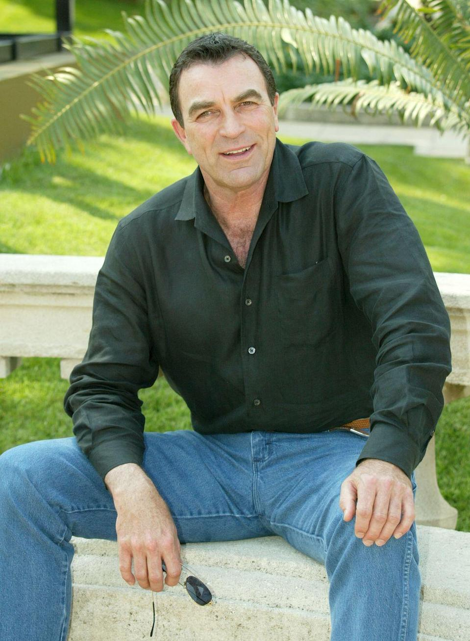 <p>Unrecognizable without a mustache, fans of Selleck might not even realize that's him. </p>