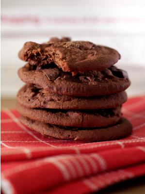 "<div class=""caption-credit""> Photo by: Julie Van Rosendaal</div><div class=""caption-title""></div><b>Lower-Fat Double Chocolate Chip Cookies</b> <br> If you're looking for a super chocolatey cookie with less fat, this recipe is for you! <br> <a rel=""nofollow"" href=""http://www.babble.com/best-recipes/low-fat-sweet-treats-for-school-lunches-double-chocolate-chip-cookies/"" target=""_blank""><i>Make Lower-Fat Double Chocolate Chip Cookies</i></a>"