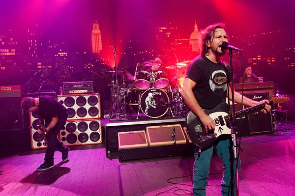 """Classic alternative rockers Pearl Jam take the stage with tunes from their latest album, Backspacer, as well as catalogue favorites on """"Austin City Limits."""""""