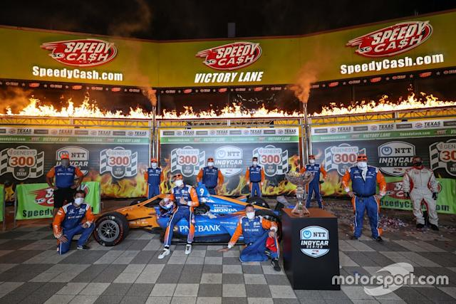 "Ganador Scott Dixon y Chip Ganassi Racing Honda team <span class=""copyright"">IndyCar </span>"