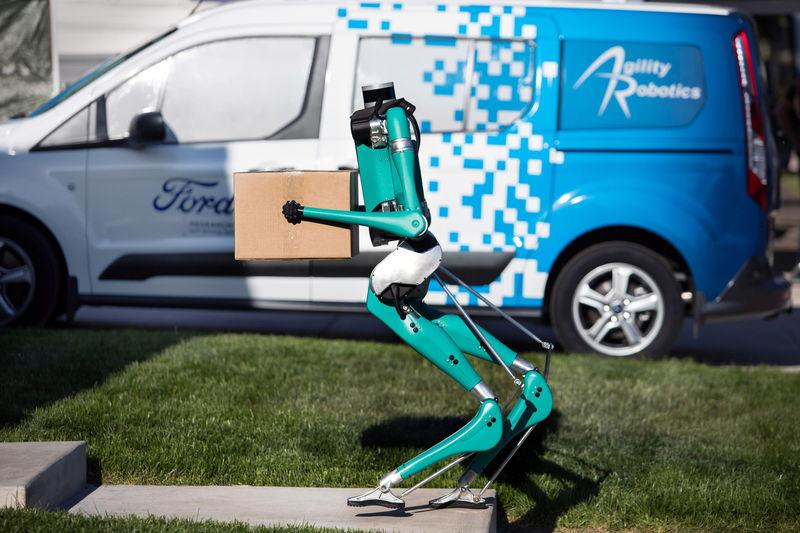 Ford and Agility Robotics explore how a new robot, Digit, can help get packages to your door efficiently with the help of self-driving vehicles