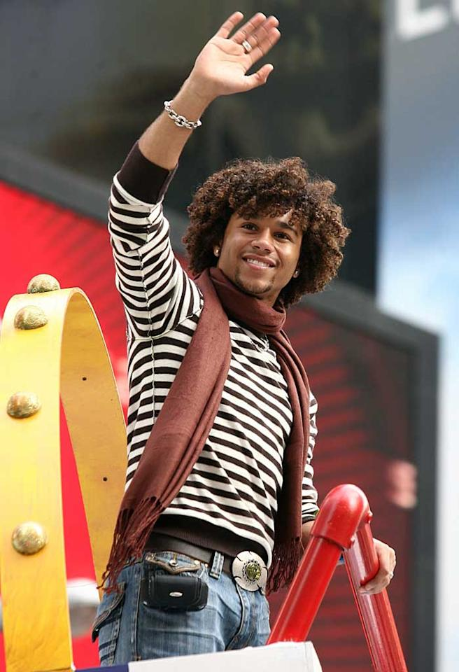 """High School Musical"" star Corbin Bleu waved to fans during the Macy's Thanksgiving Day Parade in New York City. With that goatee, Corbin looks ready to star in ""College Musical."" Isabella/Prahl/<a href=""http://www.splashnewsonline.com/"" target=""new"">Splash News</a> - November 22, 2007"
