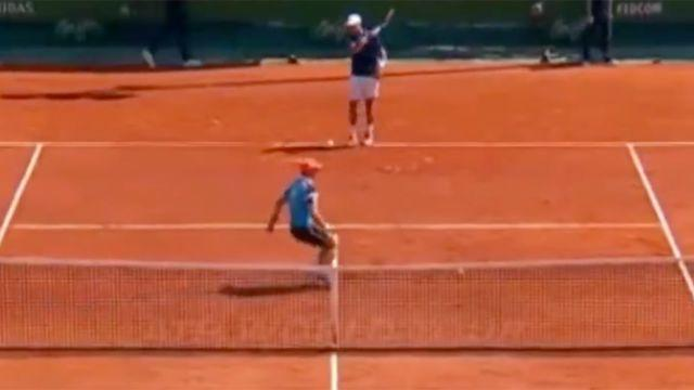 The ballboy copped it in the head. Image: Tennis TV