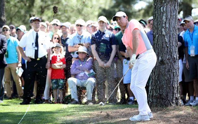 <span>Rory McIlroy fights to keep pace with the leaders</span>