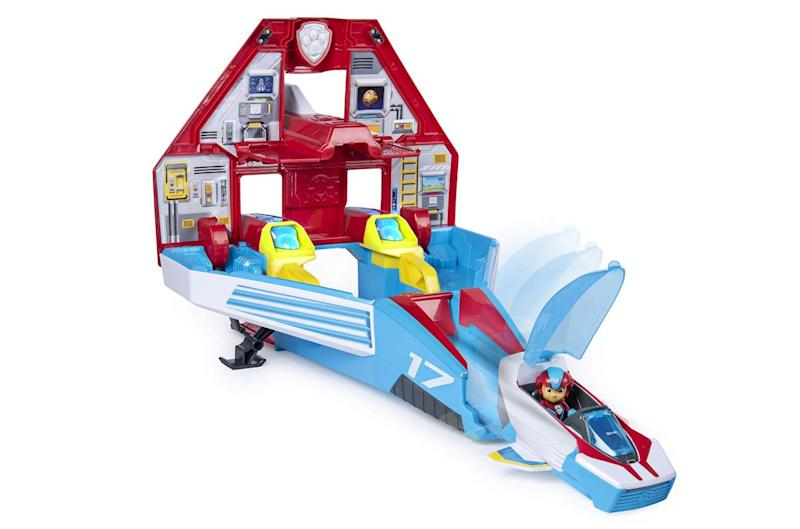 "Bring the action and excitement of the hit TV show home.&nbsp;<strong>Ages:</strong> 3+&nbsp;<strong>Get it at:</strong> <a href=""https://www.amazon.ca/PAW-Patrol-Transforming-Mighty-Command/dp/B07NFRCHFX/"" target=""_blank"" rel=""noopener noreferrer"">Amazon</a>, $97.33"