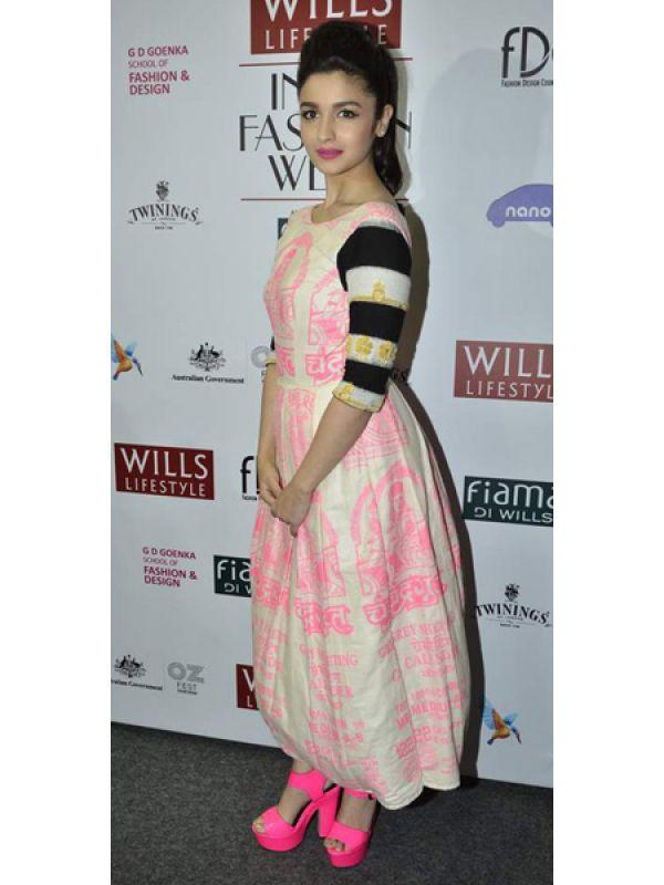 <p><strong>Image courtesy : iDiva.com</strong></p><p><strong>Alia Bhatt: <br /></strong>Alia Bhatt walked the ramp for Masaba Gupta. We're not so sure the outfit suited her. Nevertheless, she did look pretty, all dolled up. </p><p><strong>Related Articles - </strong></p><p><a href='http://idiva.com/photogallery-entertainment/celeb-spotting-at-lfw-summer-resort-2013/20375' target='_blank'>Celeb Spotting: At LFW Summer Resort 2013</a></p><p><a href='http://idiva.com/photogallery-entertainment/celeb-spotting-at-the-special-screening-of-ship-of-theseus/22931' target='_blank'>Celeb Spotting: At the Special Screening of Ship Of Theseus</a></p>