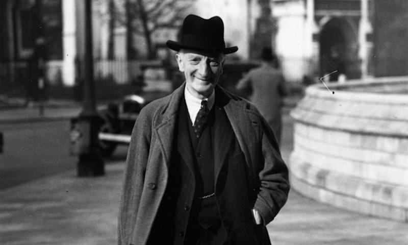 1943: British economist Sir William Beveridge delivering his report on social security which became the basis for the welfare state.