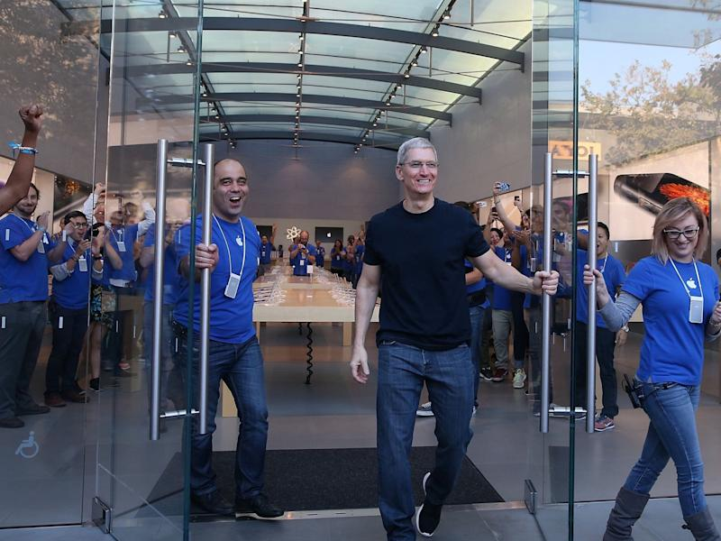 Tim Cook Apple Store