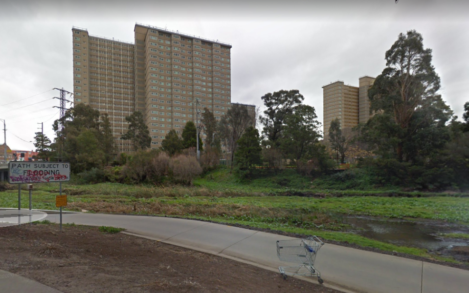 One of the towers subject to a complete lockdown, 126 Racecourse Road in Flemington. Source: Google Maps