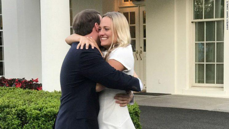 Couple gets engaged at the White House (Photo: Twitter)