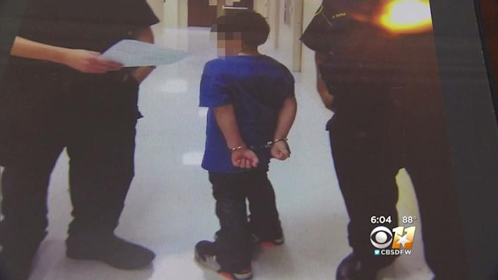 The 7 year olds mother says this photo was taken after police put the boy in handcuffs. (Photo: CBS Dallas-Fort Worth)