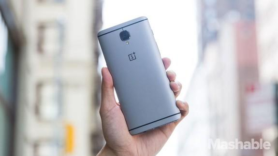 The OnePlus 5 could be the phone that destroys <b>Samsung's Galaxy S8</b>