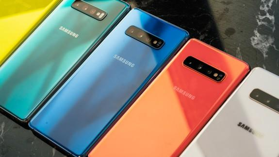 Samsung lets you remap the Galaxy S10's Bixby button to