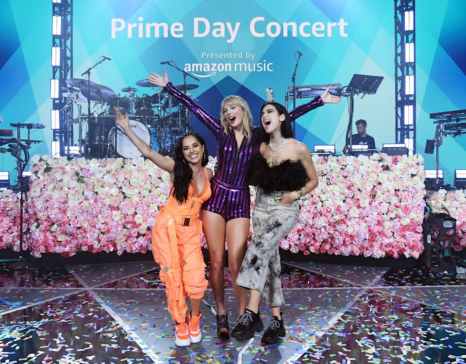 NEW YORK, NEW YORK - JULY 10: Becky G, Taylor Swift and Dua Lipa pose onstage as Taylor Swift, Dua Lipa, SZA and Becky G perform at The Prime Day concert, presented by Amazon Music at on July 10, 2019 at Hammerstein Ballroom in New York City. (Photo by Kevin Mazur/Getty Images for Amazon )