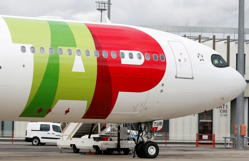 FILE PHOTO: An Airbus of TAP Air Portugal Airlines is pictured in Colomiers near Toulouse