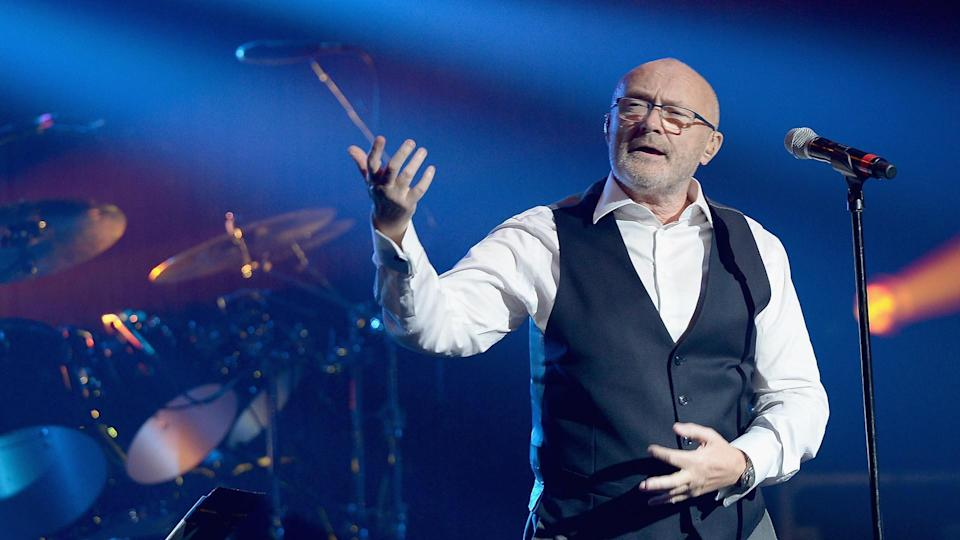 MIAMI BEACH, FL - MARCH 11:  Phil Collins performs at The Little Dreams Foundation Benefit Gala: Dreaming on the Beach at Fillmore Miami Beach on March 11, 2016 in Miami Beach, Florida.