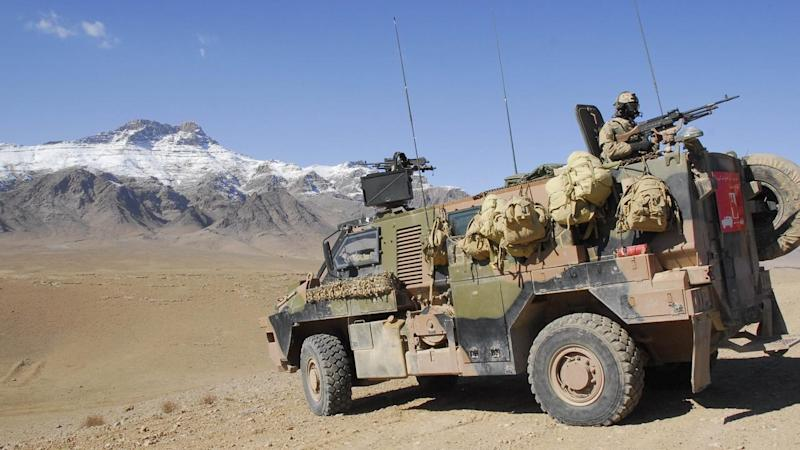 AFGHAN CONSTRUCTION AUST SOLDIERS