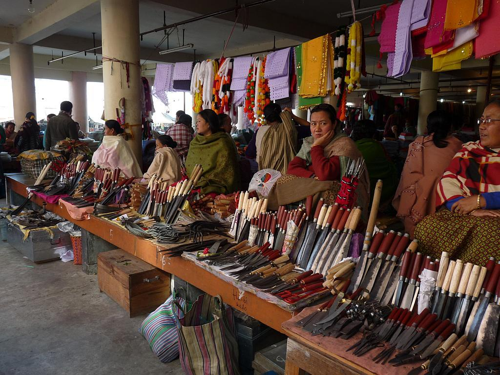 Anyone who messes with these women won't get away looking pretty, that's for sure. Just look at those knives!