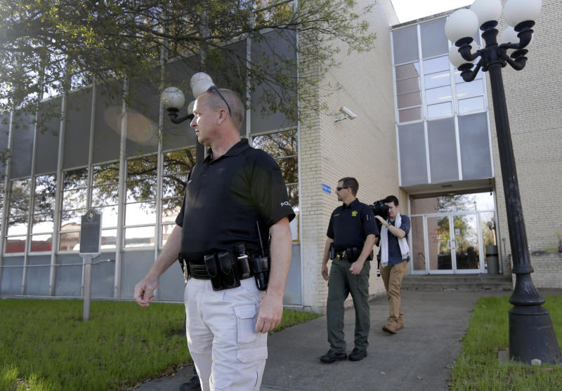 Texas considers giving prosecutors more security