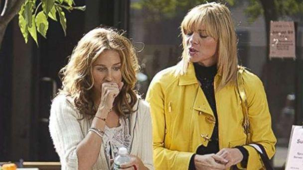 PHOTO: Sarah Jessica Parker and Kim Cattrall in 'Sex and the City' (1998). (IMDb)
