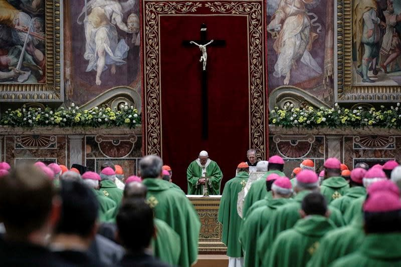 Vatican says bishops should report sex abuse to police