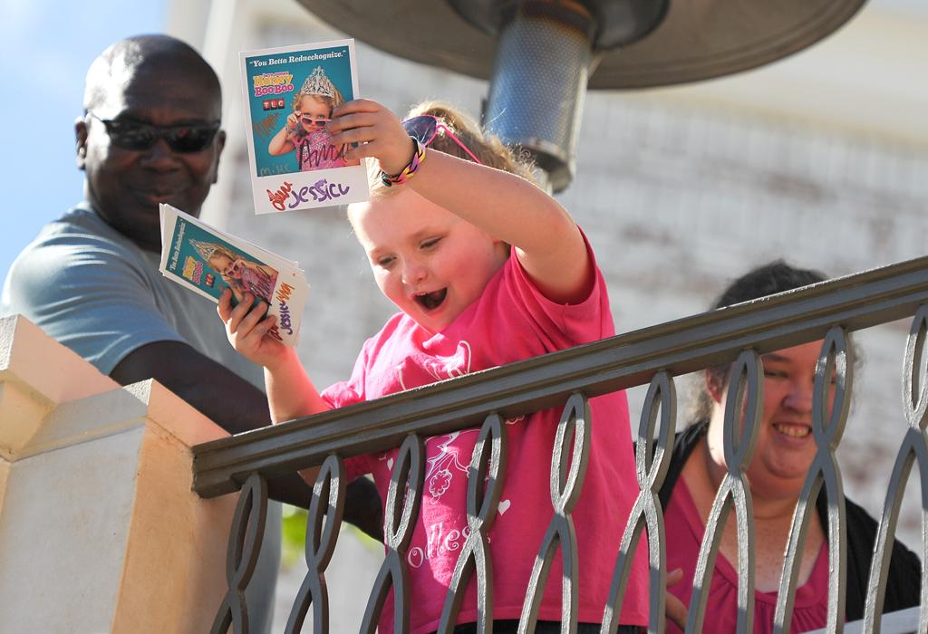 LOS ANGELES, CA - OCTOBER 15:  Alana 'Honey Boo Boo' Thompson is sighted at The Grove on October 15, 2012 in Los Angeles, California.  (Photo by Noel Vasquez/FilmMagic)