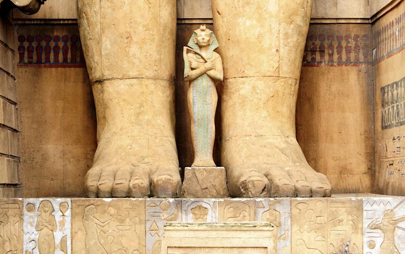 Any sense of geography and time are elusive: there are ancient Roman temples, ancient Egyptian Temples, New York streets and medieval replicas - PaoloGaetano