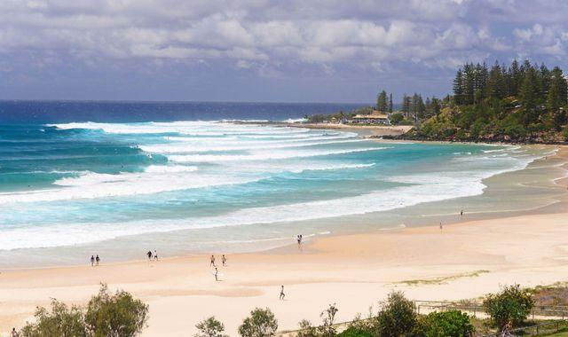 Australia: Man dies after being mauled by shark at Queensland beach