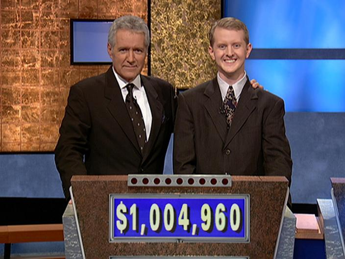 Ken Jennings with Alex Trebek in 2004 (Getty Images)