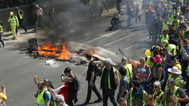 Fires, tear gas as French Yellow Vests stage first Saturday protest since Notre-Dame blaze